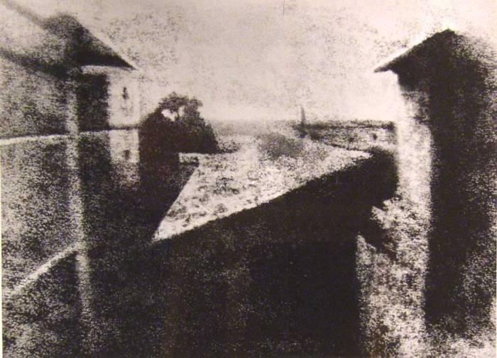 İlk foto - Joseph Nicephore Niepce 1827-ci il.